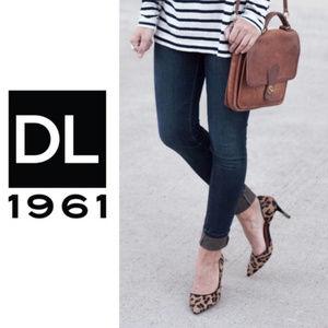 DL1961 Emma Legging Skinny Blue Jeans raw hem 28